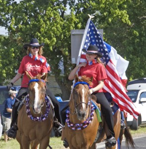 TTPA Members Carry Colors in Local Parade